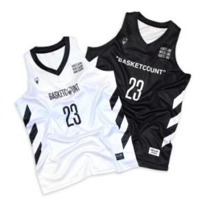 バスケットボールユニフォーム。濃淡でデザインを変えることも可能です。